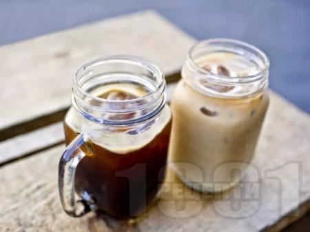 Студен чай лате с прясно мляко и мед - снимка на рецептата